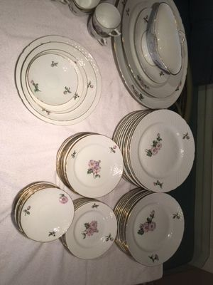 "Antique Royal coppenhagen ""pink mum"" fine china dinnerware lot (over 50 pieces) for Sale in Des Plaines, IL"