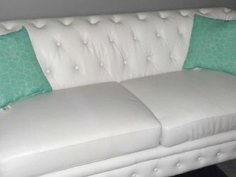 3pc Sofa Couch Love Seat Set for Sale in Cleveland,  OH