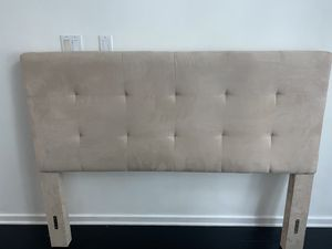 Queen Size Headboard- Metal bed frame included with risers for Sale in Orlando, FL