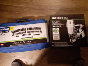 "Metabo 2-1/2"" 65mm coil siding nailer and Kobalt 55pc impact grade socket set for Sale in Englewood, CO"