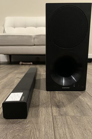 Samsung HW-M450 soundbar with wireless subwoofer for Sale in Milpitas, CA