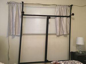 Queen bed frame for Sale in Chico, CA