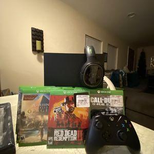 Xbox One X Bundle - Controller, 12 Games, Turtle Beach Wireless Headset for Sale in Monroe, MI