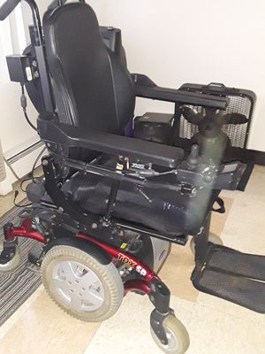 Invacare motorized wheelchair for Sale in Cleveland, OH