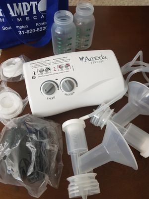 Ameda finess Breast pump for Sale in Arlington, VA