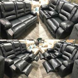 New Black Reclining Sofa and Loveseat (Can Deliver) for Sale in Maryland Heights,  MO