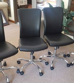 4 rolling chairs for Sale in Silver Spring,  MD