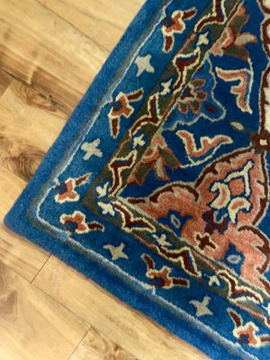Beautiful 100% wool rug !!! 5 x 7 for Sale in Vancouver, WA