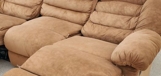 Brown Reclining Sofa for Sale in Lafayette,  CO