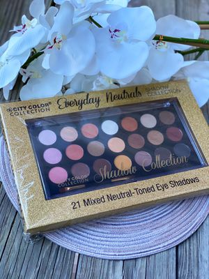 21 Color Eyeshadow Palette by City Color for Sale in Pineville, NC
