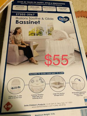 Delta Baby Bassinet for Sale in Erial, NJ