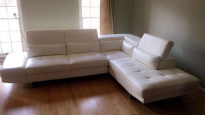 WHITE LEATHER MODERN SECTIONAL SOFA for Sale in Fort Washington, MD