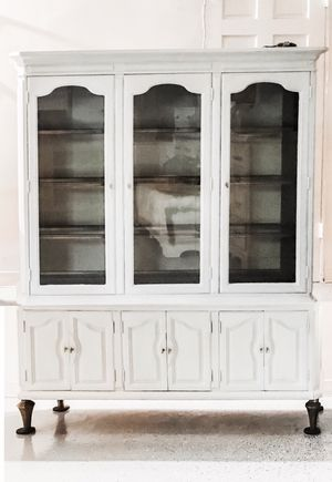 2 Pieces Antique White Hutch with Original Golden Interior Finish for Sale in West Covina, CA