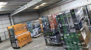 TV warehouse liquidation event !!! New open box!! Act fast! 8RPBT for Sale in Whittier, CA