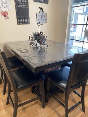 Kitchen dining table for Sale in San Bernardino, CA
