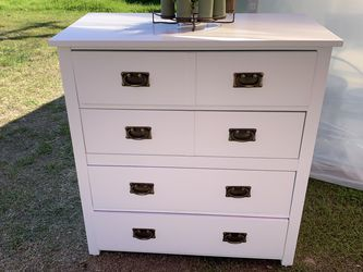 White Dresser - 4 Drawers - Read Description for Sale in Los Angeles,  CA