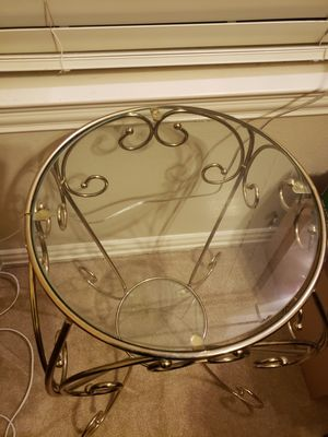 Gold plant stand for Sale in Frisco, TX