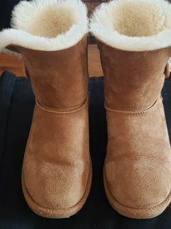 Ugh Bailey Button Boots - Size 4 for Sale in Murfreesboro,  TN