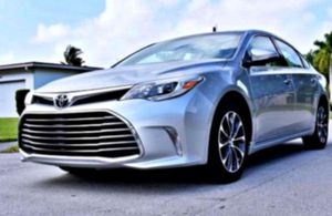 _2013 Avalon 3.5, V6 fresh oil change for Sale in Columbia, MO