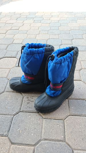 Sorel size 2 kids snow boots for Sale in Placentia, CA