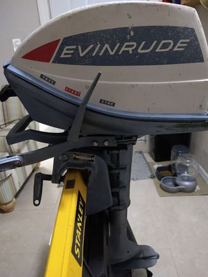 5 hp Angler Evinrude for Sale in Oakland, FL