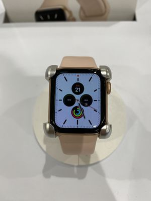 BRAND NEW APPLE WATCH SERIES 5 FINANCE OPTION for Sale in Atlanta, GA