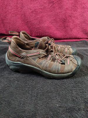 KEEN Men's Waterproof Hiking Shoes sz 10.5 for Sale in Dallas, TX