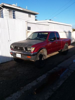1997 toyota tacoma 4x4 automatic clean title for Sale in Torrance, CA