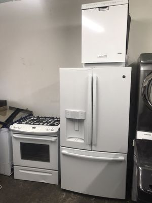 Brand new open box white gas set available GE refrigerator Fridgedaire gas range,dishwasher and microwave! Warranty!! We deliver!!! for Sale in Philadelphia, PA