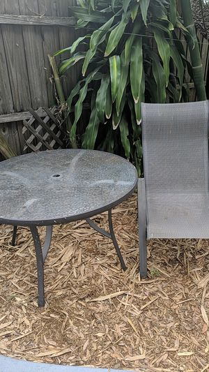 Patio table and chair for Sale in St. Petersburg, FL
