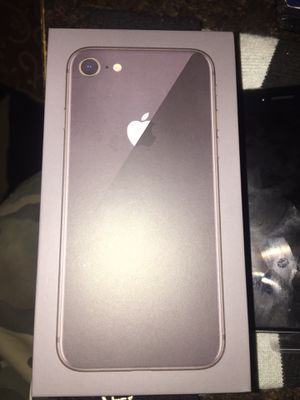 IPhone 8 64GB for Sale in Moreno Valley, CA
