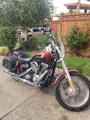 Excellent Condition! Like New! Clean Title! 2013 Harley Davidson Super Glide FXDC. 14,000 Miles! Many Ad Ons! for Sale in Lynnwood, WA