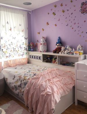 Girls white twin bookcase storage bed for Sale in Brooklyn, NY