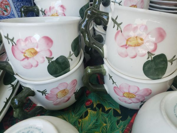 Villeroy and boch pattern wild rose pattern