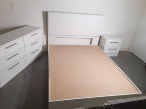 NEW PRETTY WHITE BED FRAME, DRESSER WITH 1 NIGHTSTAND for Sale in Palm Beach Shores, FL