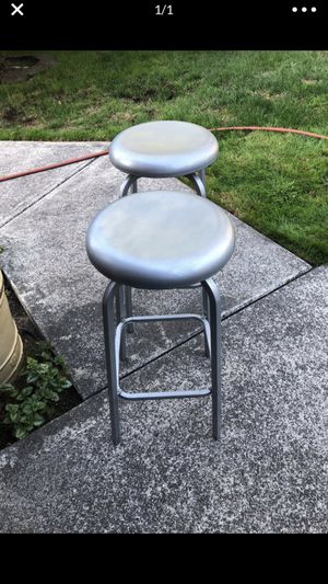 2 cute bar stools for Sale in Tacoma, WA