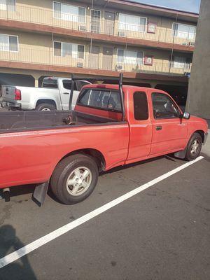 1995 Toyota Tacoma Truck 4000.00 for Sale in Pico Rivera, CA