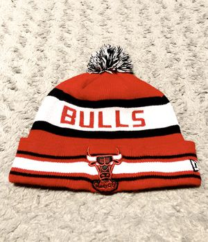 Mens New Era Bulls beanie hat paid $35 Vintage great condition! Chicago Bulls Beanie Hats Pom Winter Knit Caps New Era NBA for Sale in Washington, DC