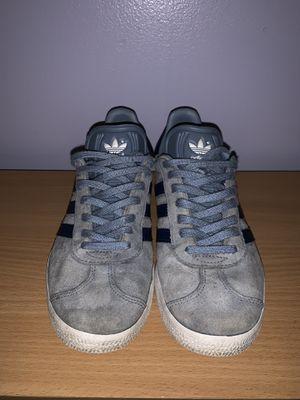 Adidas gazelle blue women's size 6.5 for Sale in Penn Valley, PA
