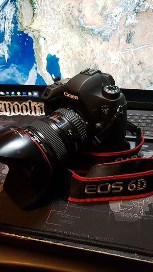 Canon 6D Full Frame DSLR Camera for Sale in Paramount, CA
