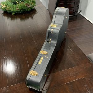 Gretsch Guitar Case In Excellent Condition for Sale in Corona, CA