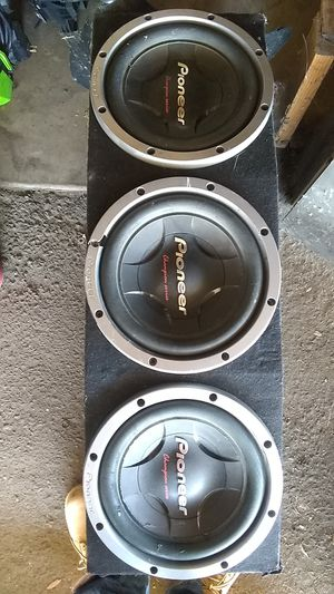 3/ 12 Inc pioneer woofers for Sale in Fresno, CA