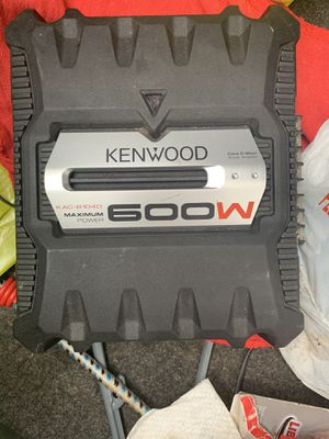 600W subwoofer amplifier Kenwood for Sale in Algonquin, IL