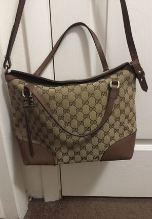 Gucci canvas crossbody Bag for Sale in Roy, UT