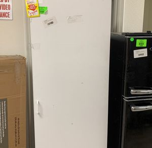 ESTATE BY RSI CABINET TALL Y6KRW for Sale in Houston, TX