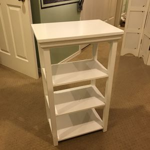 White wood small bookshelf or printer stand for Sale in Edmonds, WA