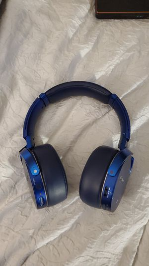 Sony Bluetooth Noise Cancelling Headphones for Sale in Denver, CO