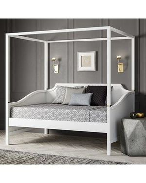 Canopy Day bed (read description) for Sale in Raleigh, NC
