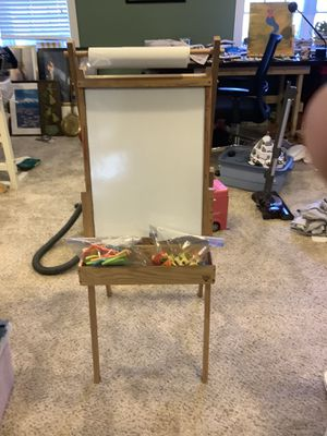 Art Easel magnetic and chalk sides with magnet letters for Sale in Colfax, NC