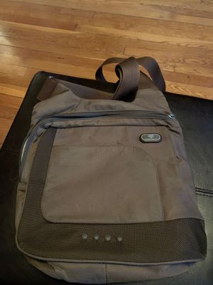 T-Tech By Tumi Cross-Body Bag (Brown/Green) for Sale in Queens, NY